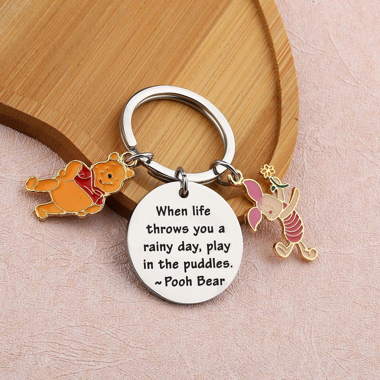 Winnie The Pooh Porte-cl/és avec citation Winnie lourson Cadeau damiti/é BFF Cadeau damiti/é Winnie lourson Cadeau dinspiration Quand la vie vous jette un jour pluvieux jouer dans les flaques