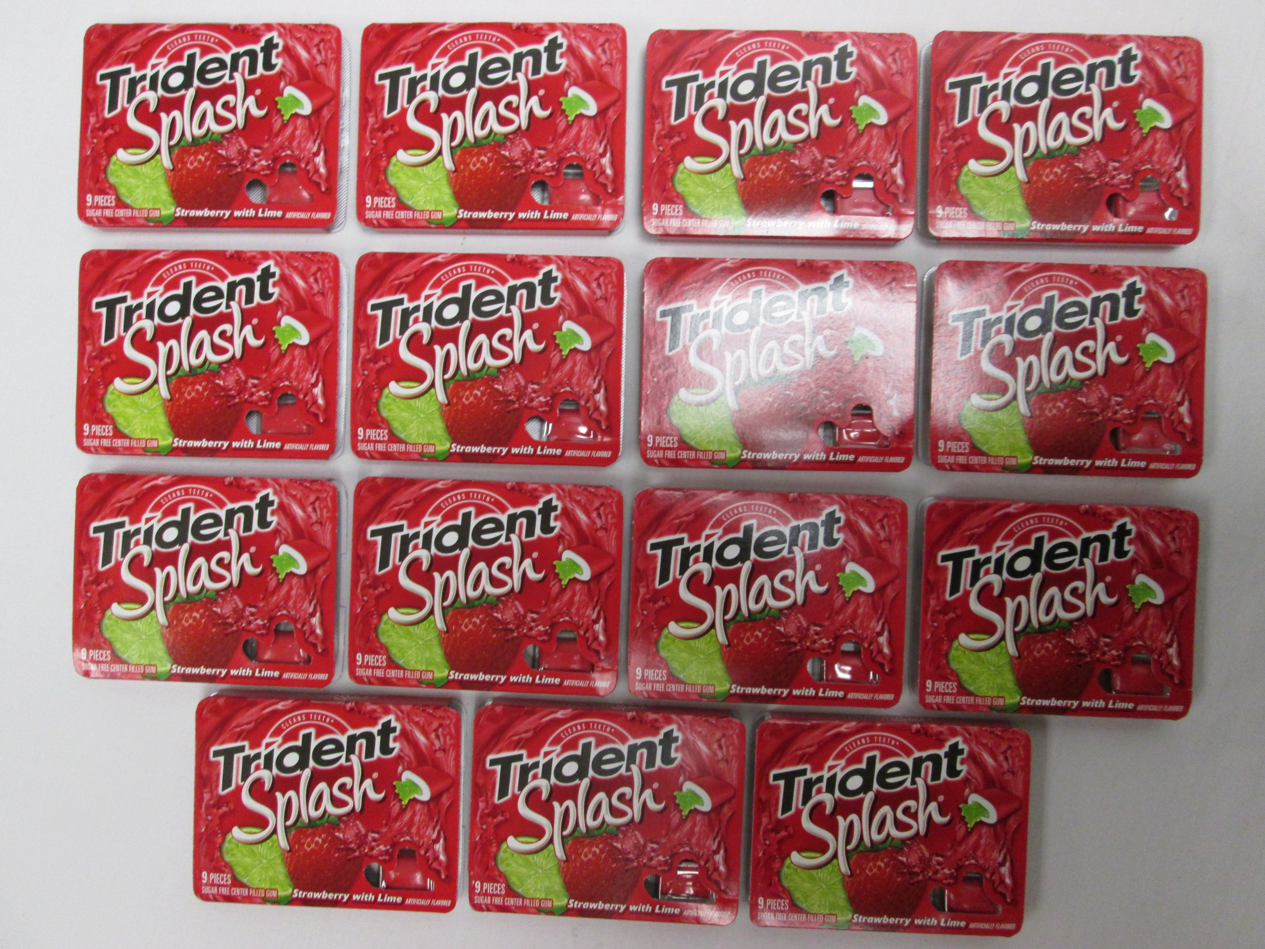Trident Splash Cleans Teeth Strawberry with Lime Sugar Free Center Filled Chewing Gum - 15 Packs of 9-pieces Packages (135 Pieces Total) - Tj10
