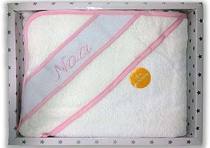 Capa de baño color rosa. Tamaño 100x100 cm. Bordado con el nombre
