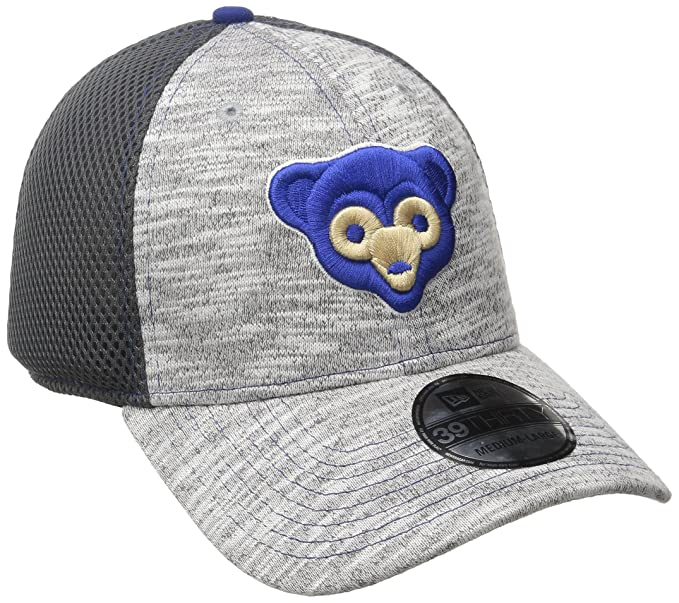 313d766b Amazon.com : New Era MLB Chicago Cubs 2016 Clubhouse 39Thirty Stretch Fit  Cap : Clothing