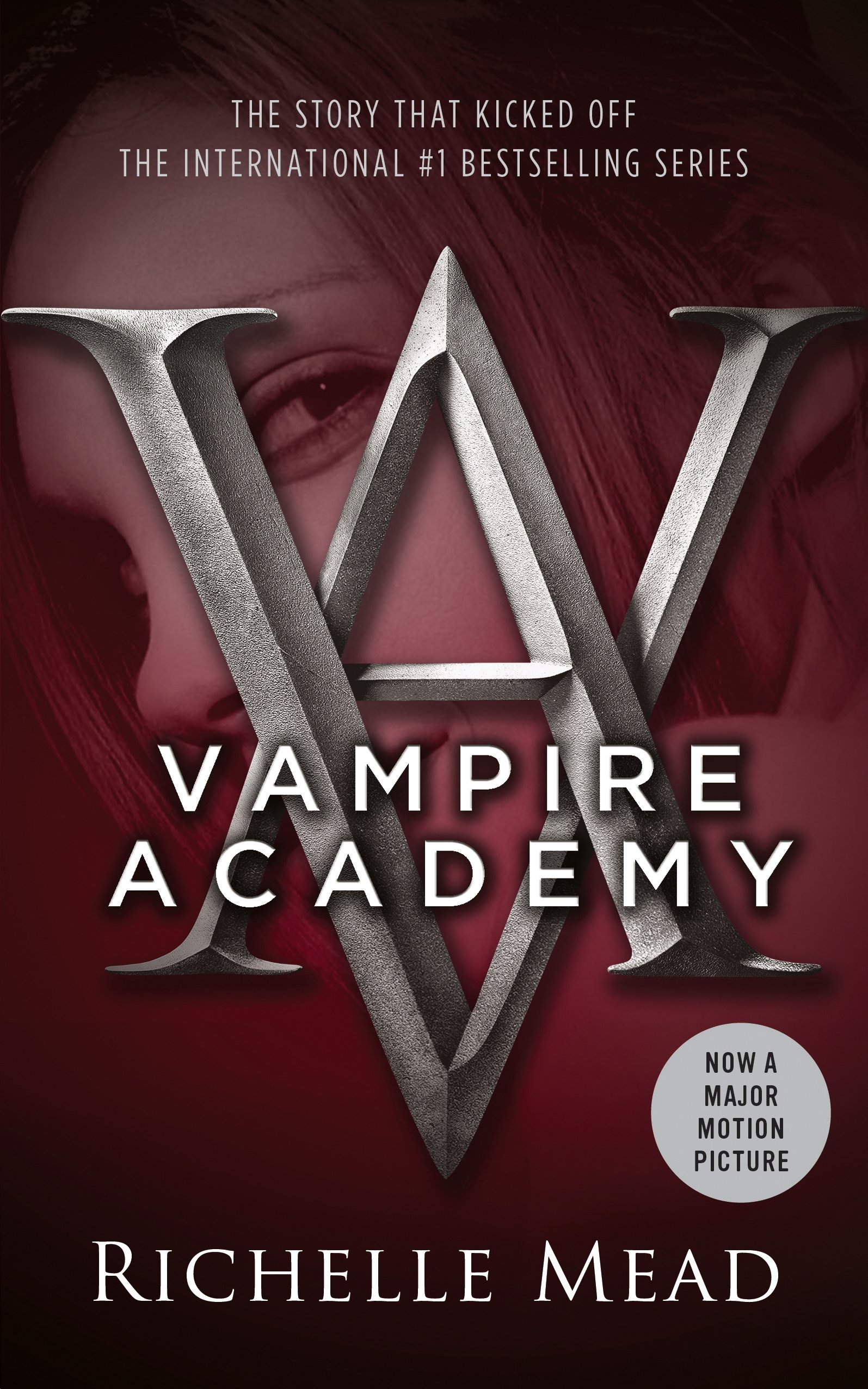 Vampire Academy: Richelle Mead: 9781595141743: Amazon.com: Books