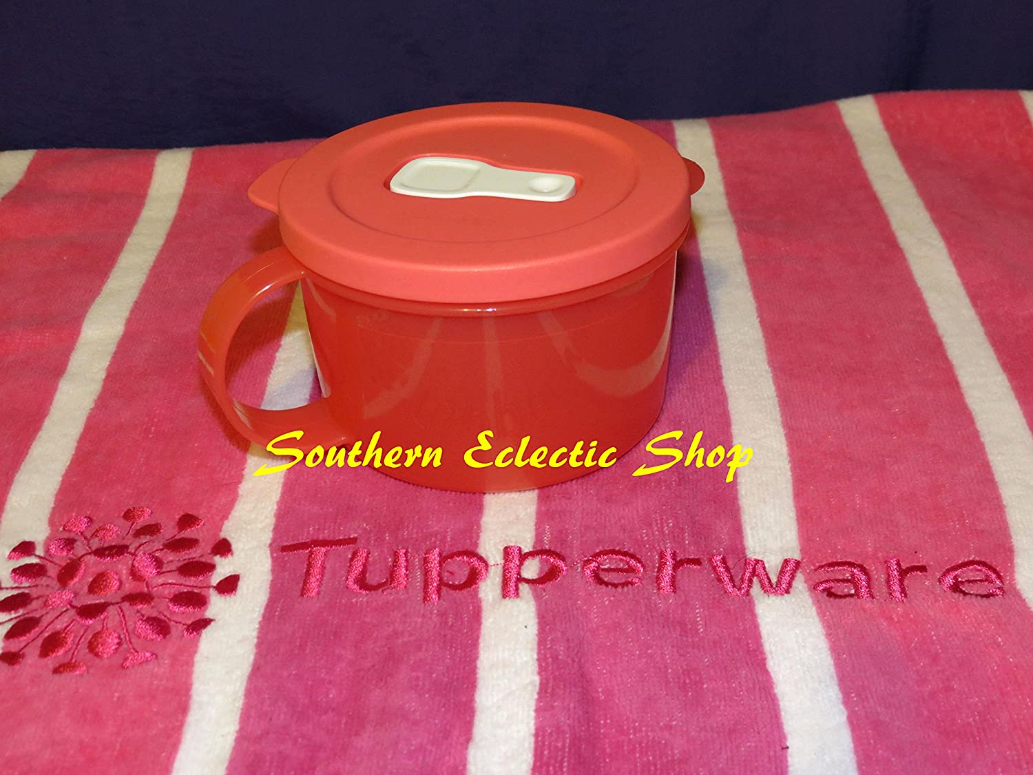 TUPPERWARE  FUSCHIA PINK  CRYSTAL WAVE CRYSTALWAVE SOUP MUG