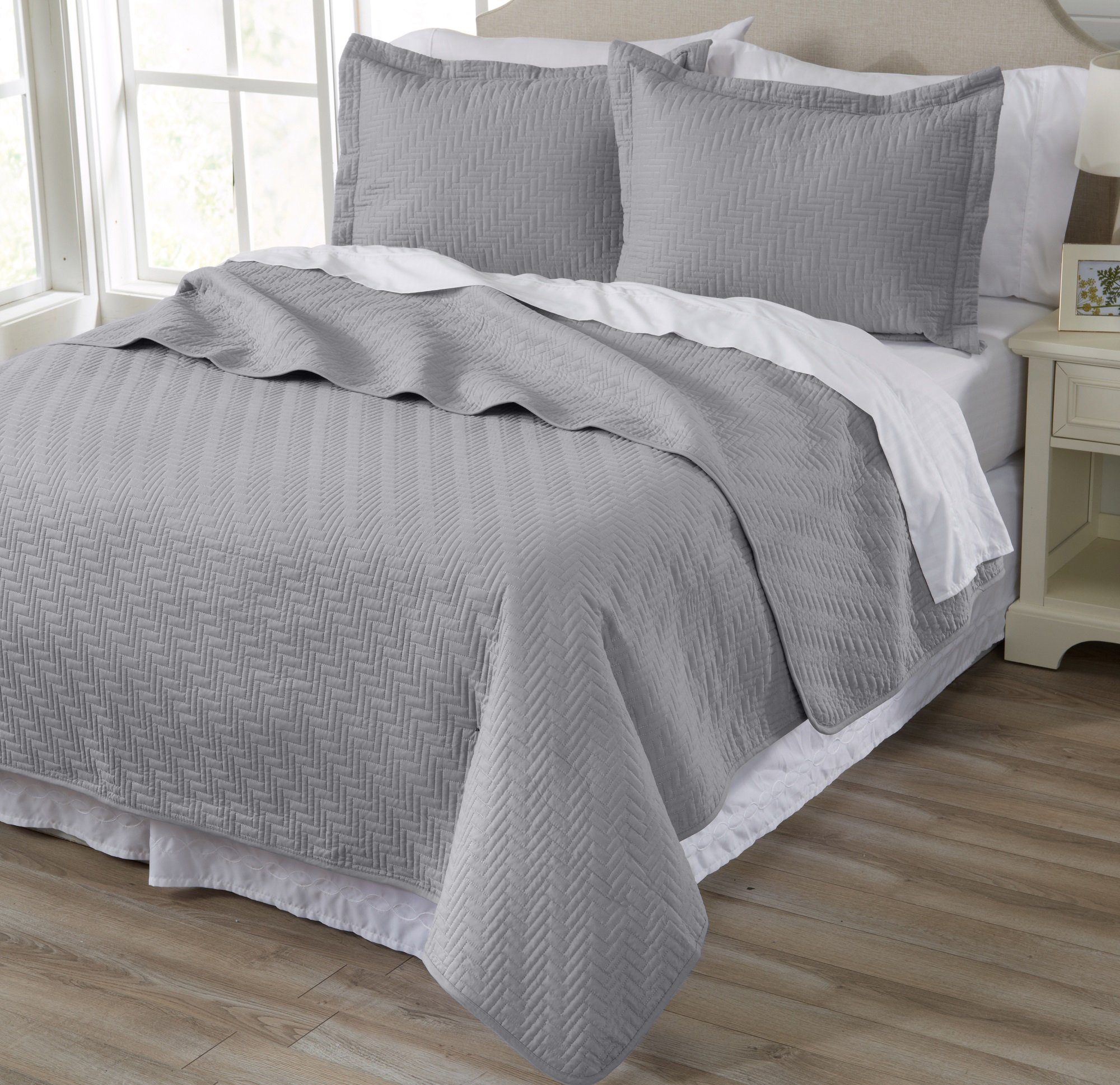Home Fashion Designs Emerson Collection 3-Piece Luxury Quilt Set with Shams. Soft All-Season Microfiber Bedspread and Coverlet in Solid Colors. By Brand. (Full/Queen, Pewter)