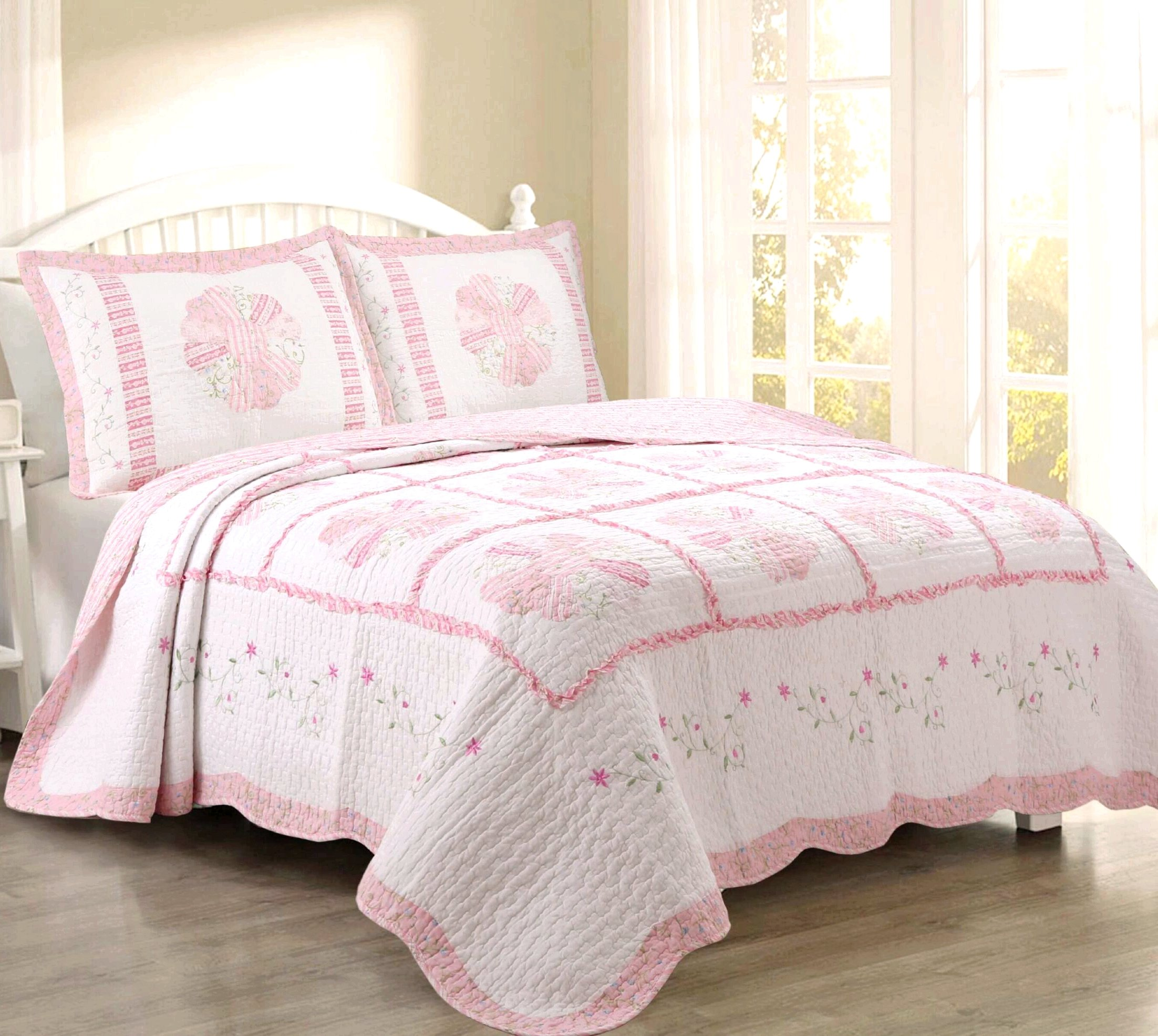 Cozy Line Home Fashions Daisy Field Bedding Quilt Set, Pink White Flower Floral Embroidered Print Pattern 100% COTTON Reversible Coverlet Bedspread Set, Gifts for Women (King Set- 3-piece)