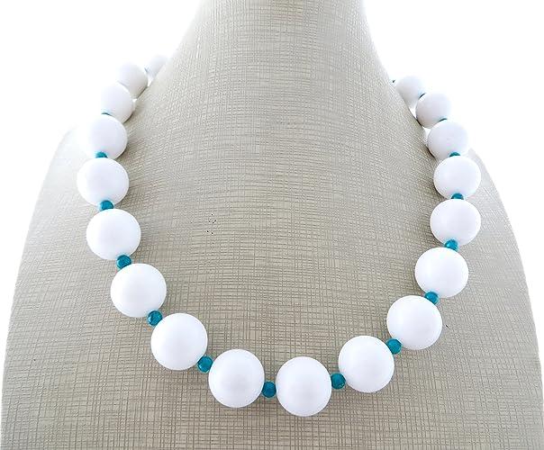 8c25ce1f8d6d Collar de jade blanca y turquesa