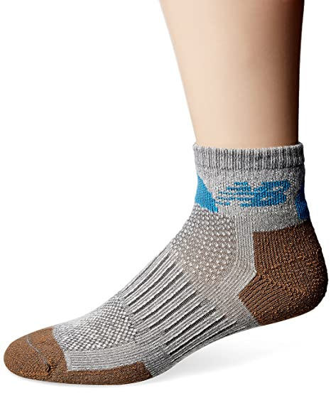 971109fac1ea0 Amazon.com: New Balance Technical Elite NBX Trail Quarter Socks (2 Piece):  Clothing