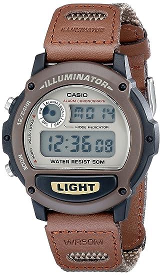 57dc06ed93e4 Casio W89HB-5AV Illuminator Reloj deportivo con brazalete de resina ...