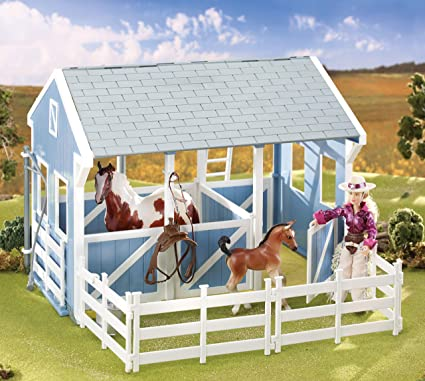 Breyer Country Stable with Wash Stall Classics 1:12 Scale Horse