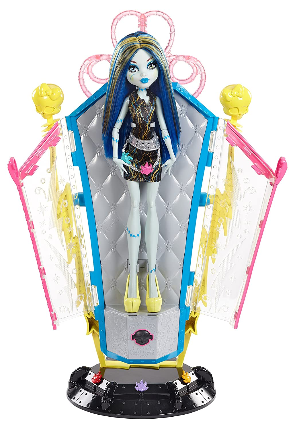 Uncategorized Frankie From Monster High amazon com monster high freaky fusion recharge chamber frankie stein doll and playset discontinued by manufacturer toys games