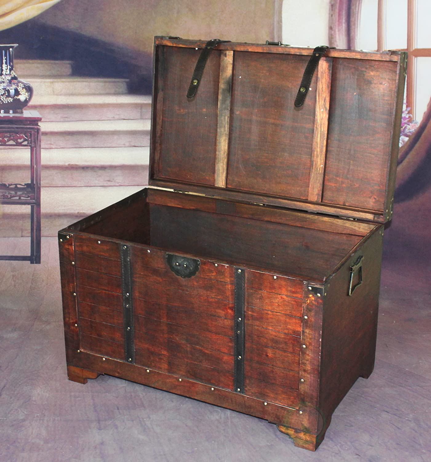 Amazon.com: Vintiquewise(TM) Old Fashioned Wooden Storage Treasure Trunk:  Kitchen U0026 Dining