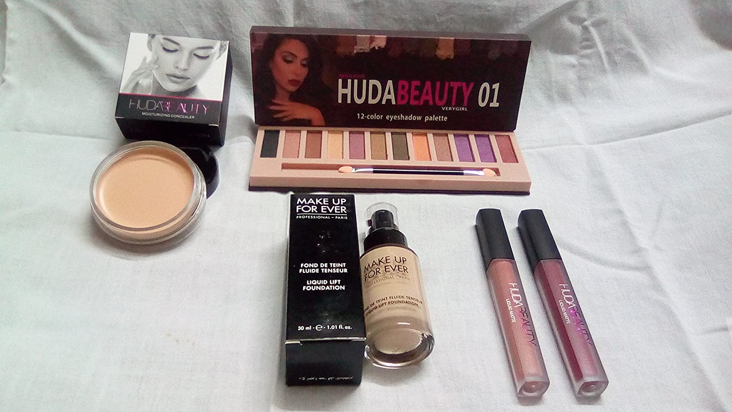 Huda Beauty Makeup Combo Kit Eyeshadow Palette Foundation Two Pieces