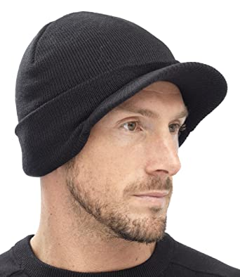 6ae8839c7be Mens Black Knitted Beanie Hat with Peak GL221  Amazon.co.uk  Clothing