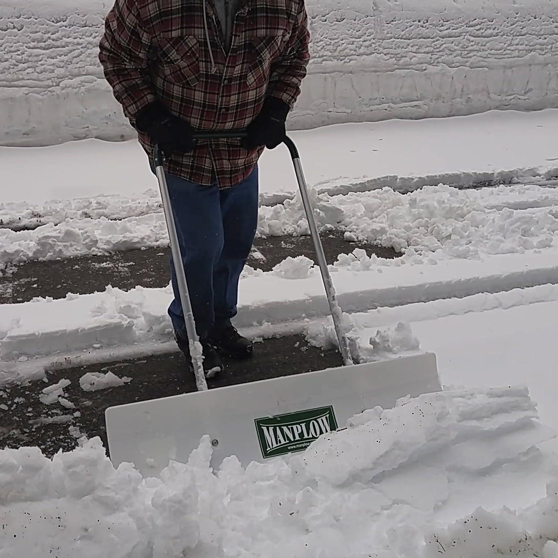 amazon com manplow snow shovel revolution line 36