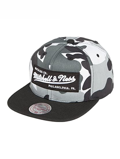 newest f6ef5 ba060 Mitchell   Ness Men Caps Snapback Cap Box Logo Camouflage - 465823  Adjustable