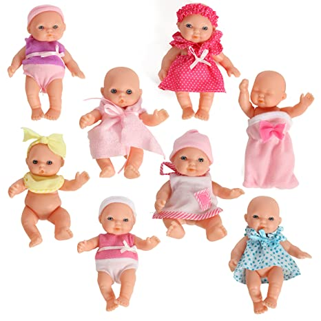 amazon com mommy me doll collection set of 8 assorted mini dolls rh amazon com