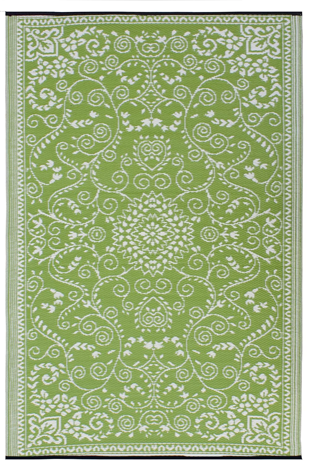 Green indoor outdoor rug roselawnlutheran for Indoor outdoor carpet green