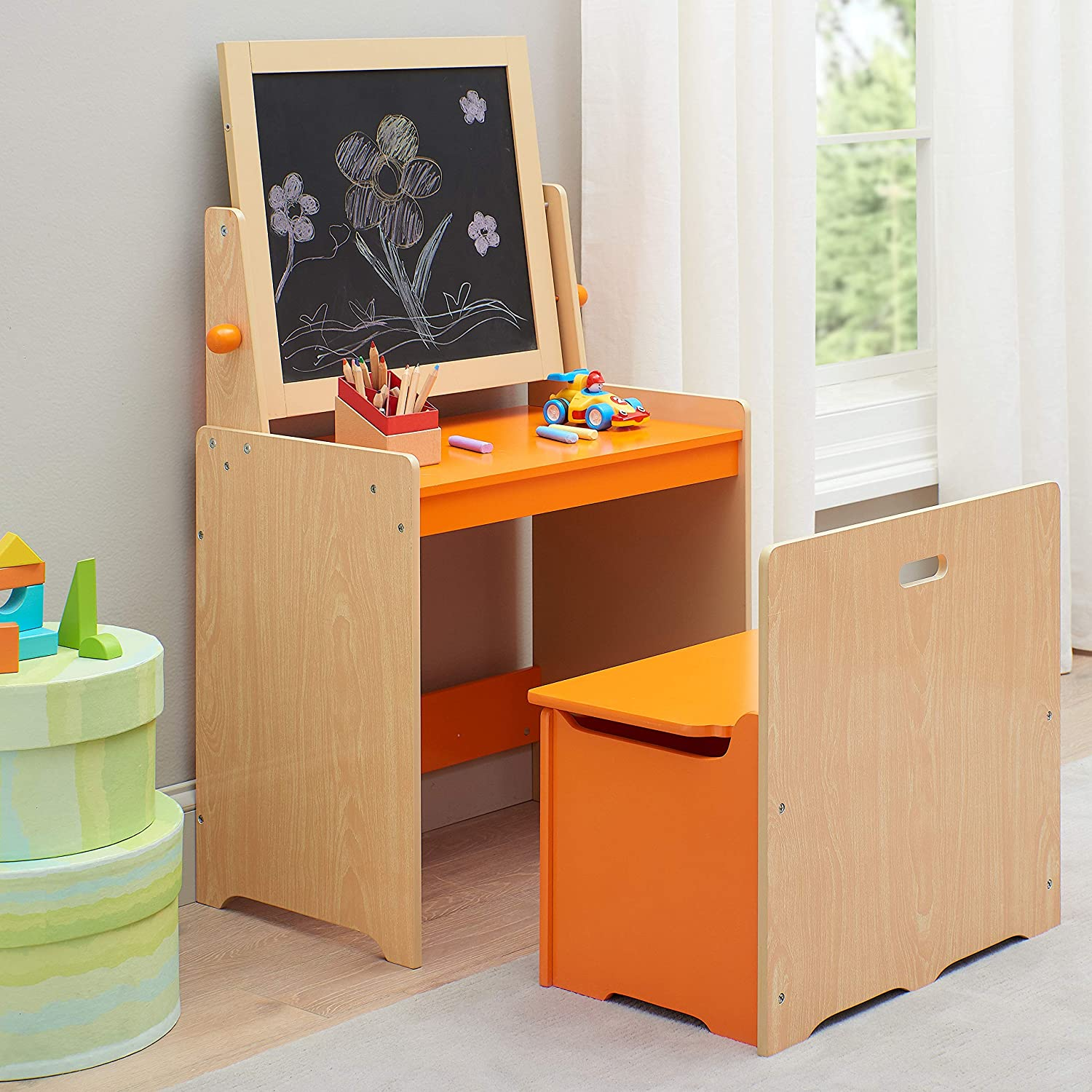 Amazon Com Delightful And Cute Kids Art Desk And Chair With