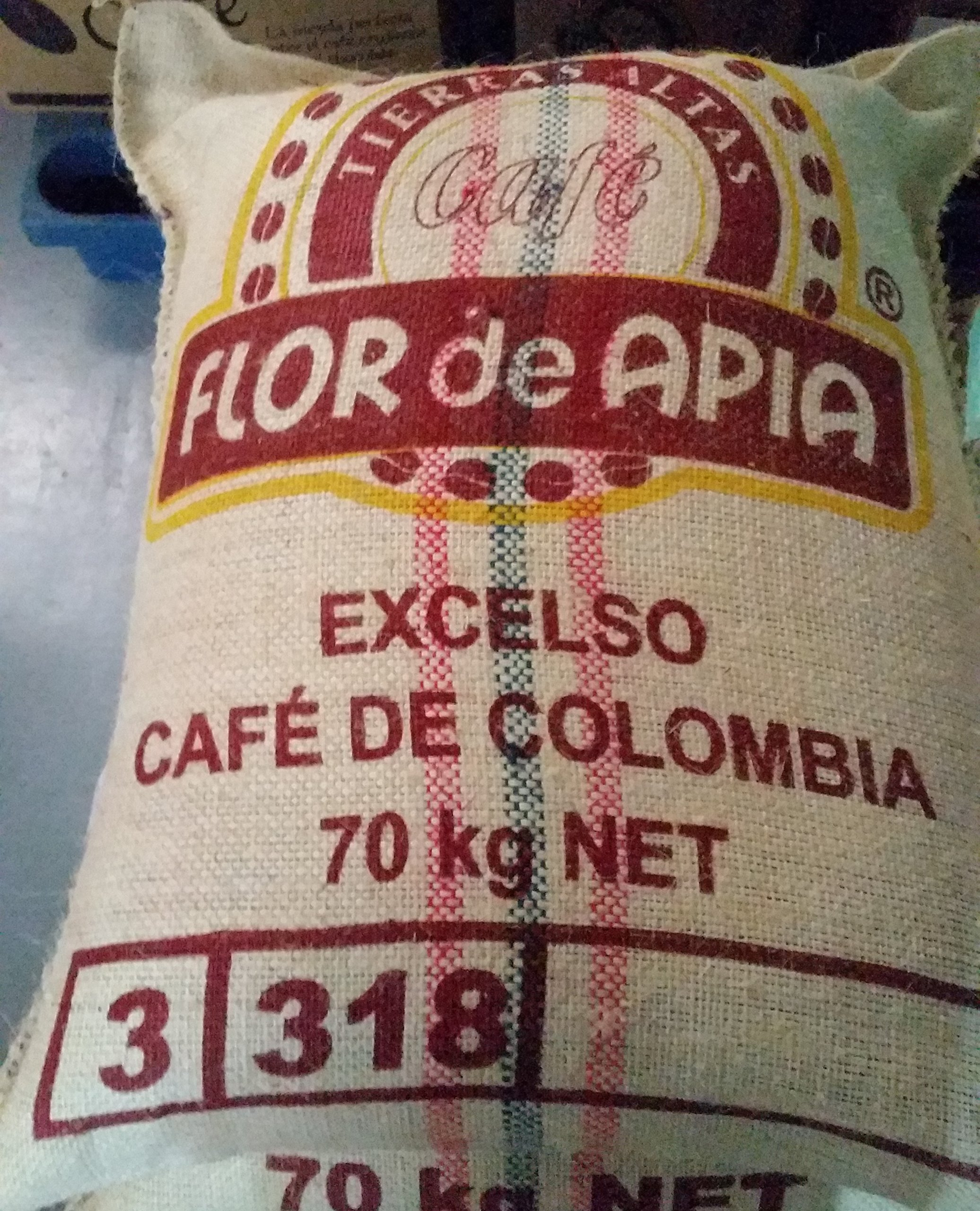 Single Origin Coffee, Colombian Unroasted Coffee Beans Farm Los Pirineos (50 Lb) by Micro Lot # 020-074