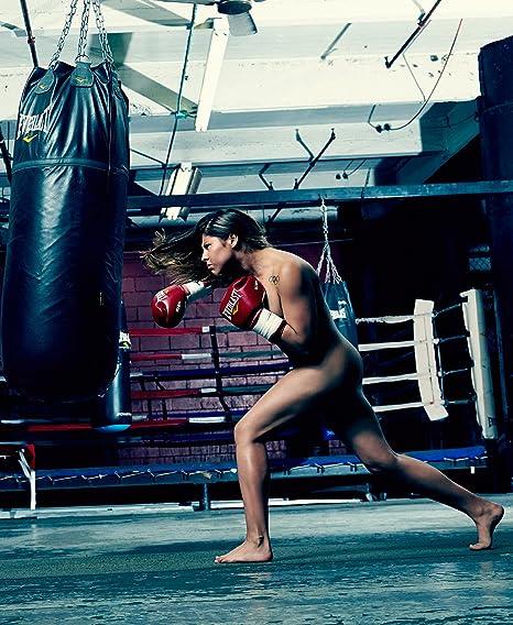 Sexy nude women boxing you