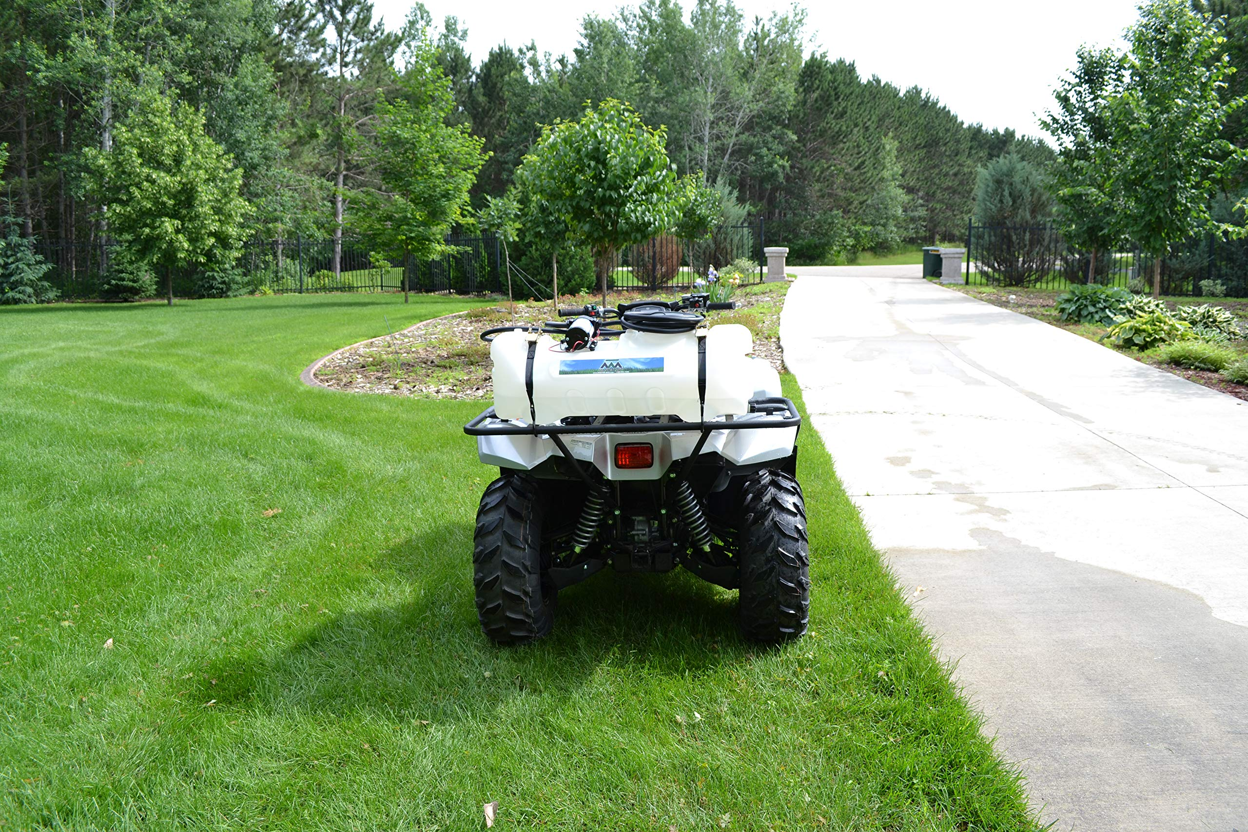 Master Manufacturing SSO-01-015A-MM 15 Gallon Spot Sprayer-Everflo 2.2 GPM by Master Manufacturing (Image #2)