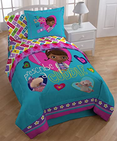 Amazon.com: Disney Junior Doc McStuffins Twin Reversible Comforter ...