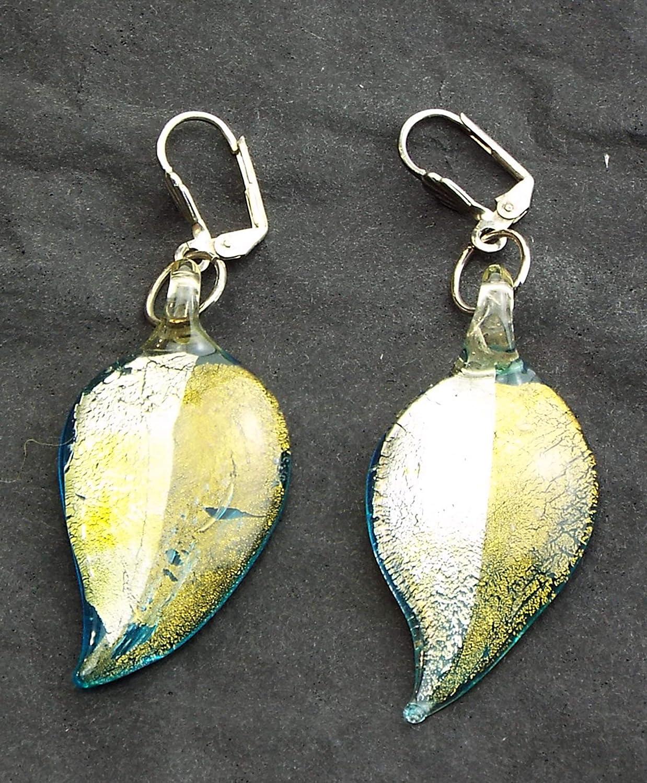 Pendientes de hoja azul y cristal. Bisutería. Perlas de vidrio estilo murano.