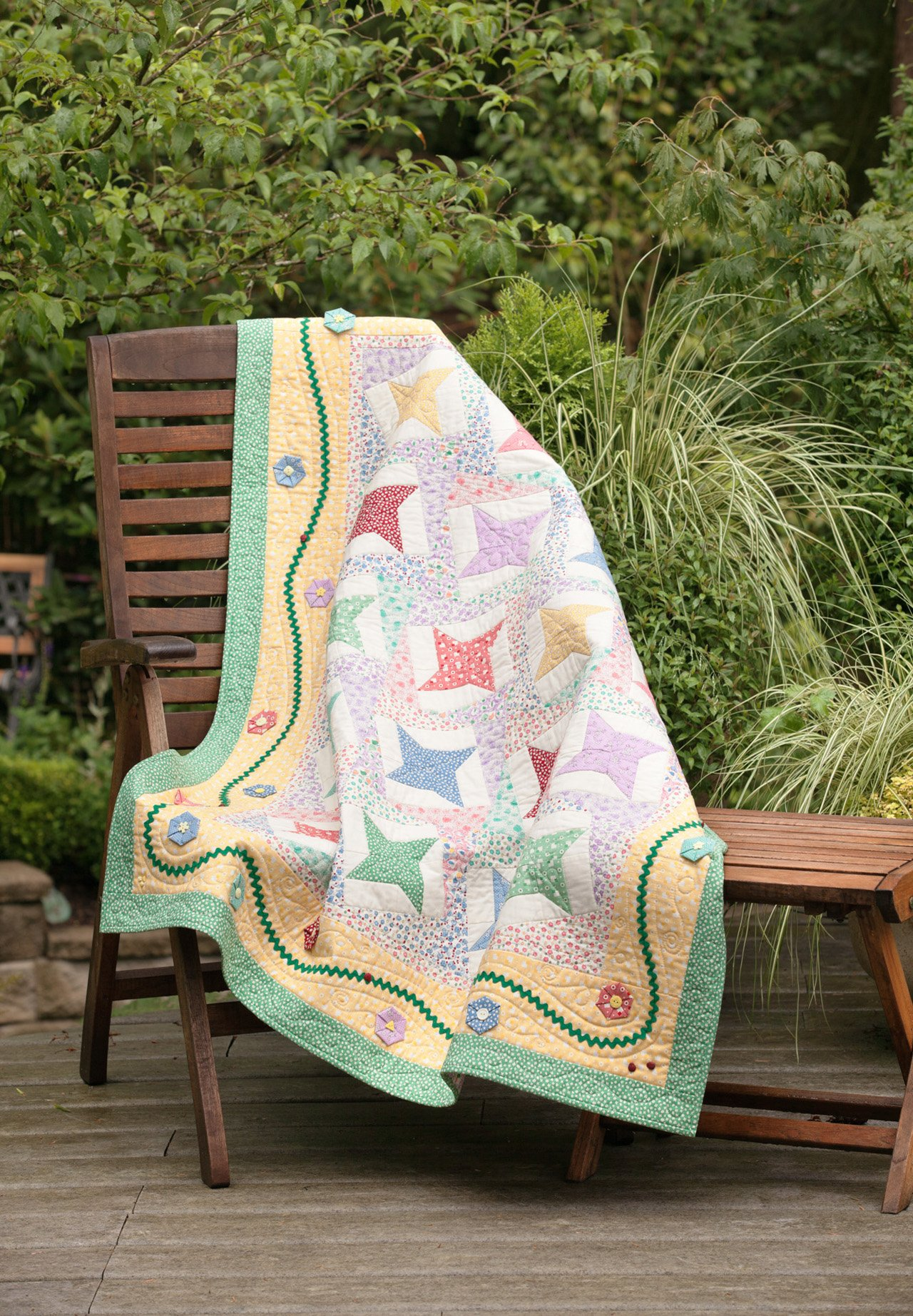 Fast, Fusible Flower Quilts: Nancy Mahoney: 9781604680393: Amazon ... : fusible quilting - Adamdwight.com
