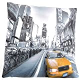 NEW YORK YELLOW TAXI CUSHION COVER BLACK/WHITE BACKGROUND