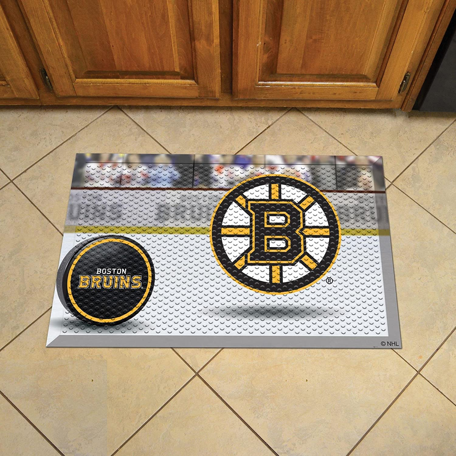 Buy Fanmats 19126 Team Color 19 X 30 Boston Bruins Scraper Mat Nhl Puck Online At Low Prices In India Amazon In