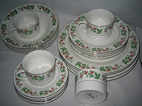 Tree Trimmings 20 pc Dinnerware ceramic Set dishes christmas theme By Gibson