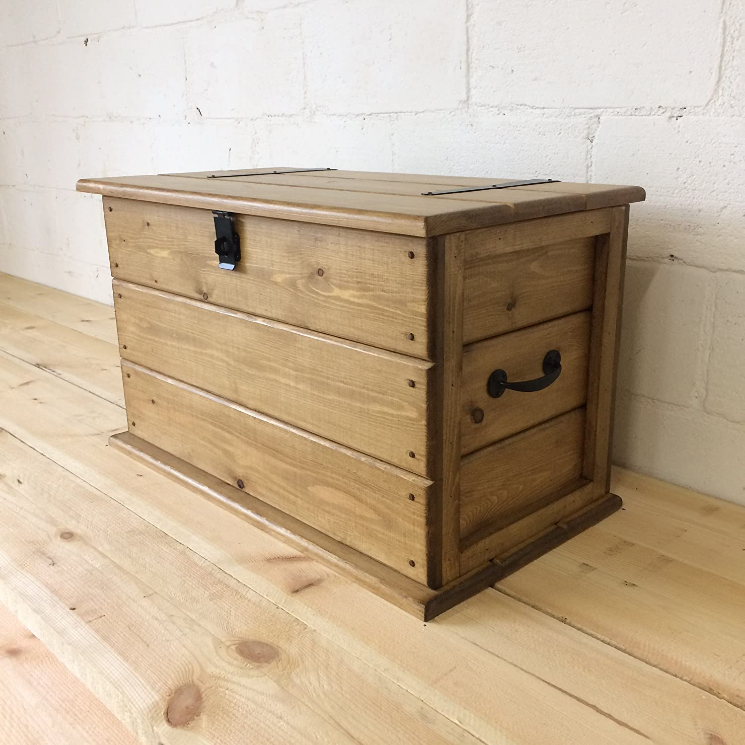 Handmade Solid Rustic Pine Trunk.Coffee Table.Boot/Toy Box. Linen Chest. Blanket Box Head & Co