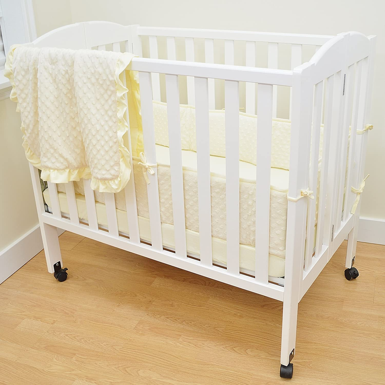 American Baby Company 1510SS-WH Heavenly Soft Minky Dot Porta-Crib Set, 3-Piece (White) 1510SS White