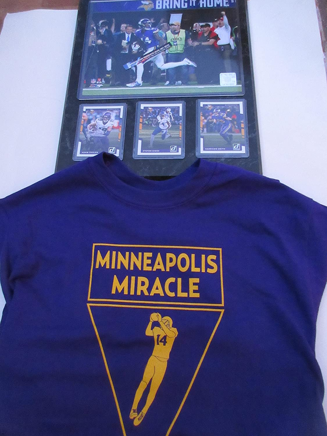 STEPHON DIGGS MINNESOTA VIKINGS MINNEAPOLIS MIRACLE CATCH PHOTO & 3 CARDS MOUNTED ON A