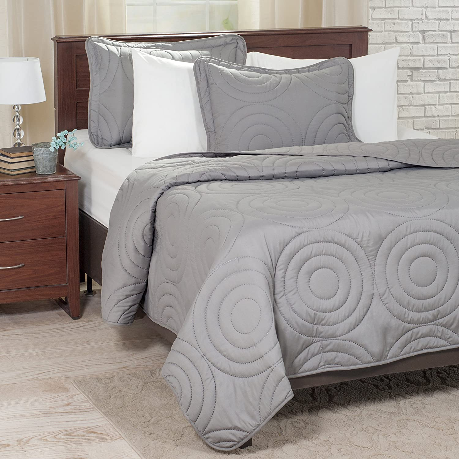 Lavish Home Solid Embossed 3 Piece Quilt Set - Full/Queen - Silver