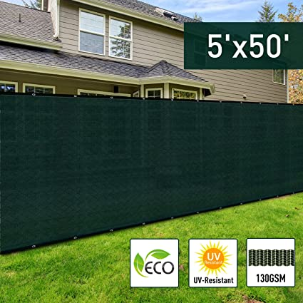 Amazon.com: Outsunny 5u0027 X 50u0027 Sun Shade Backyard Privacy Screen Fence Kit  Green Grommets Green: Garden U0026 Outdoor