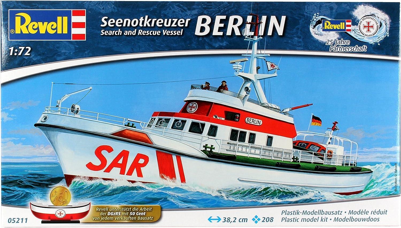 Seenotkreuzer BERLIN im Ma/ßstab 1:72 05211 Level 4 Revell Modellbausatz Schiff 1:72 originalgetreue Nachbildung mit vielen Details