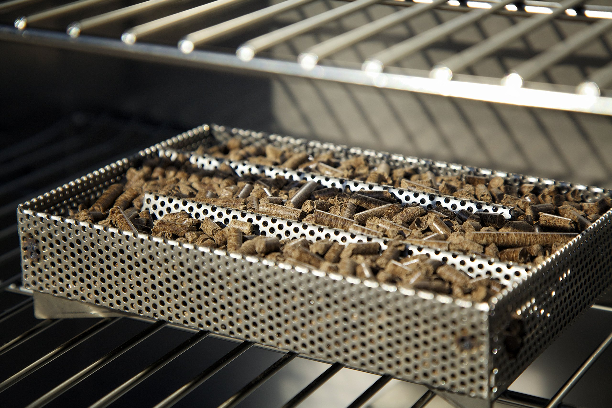 A-MAZE-N Maze 5'' L x 8'' W Pellet Smoker Prefilled With 100% Wood Hickory BBQ Pellets by A-MAZE-N (Image #3)