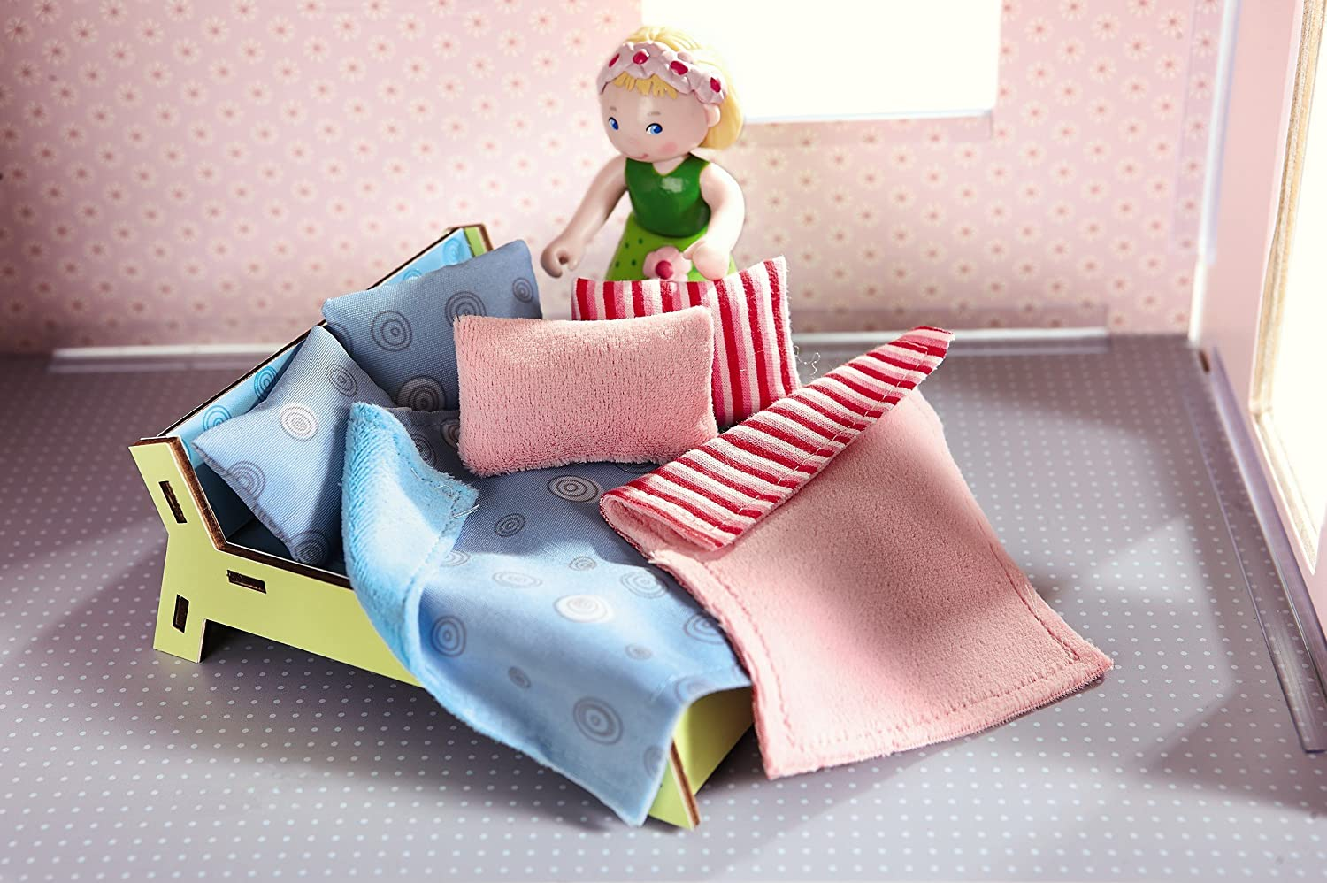 HABA Little Friends Pillows /& Blankets Dollhouse Accessory for 4 Bendy Doll Figures