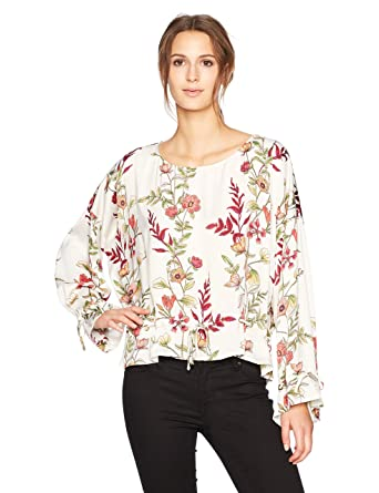 dac3947151881b GUESS Women s Long Sleeve Allyson Grommet Top at Amazon Women s Clothing  store