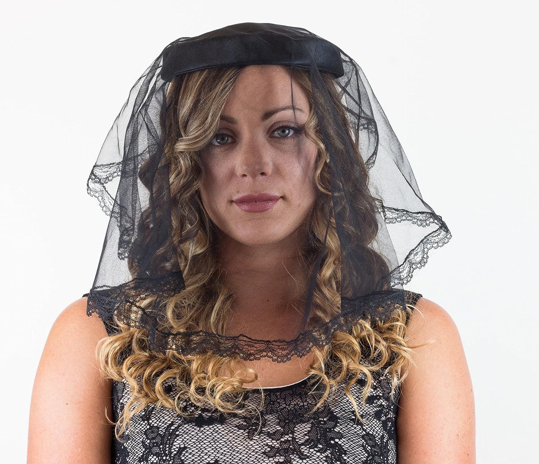 c5c52bbd456 Captain mourning funeral chapel catholic veil spanish lace mantilla black  one size home kitchen jpg 1500x1290