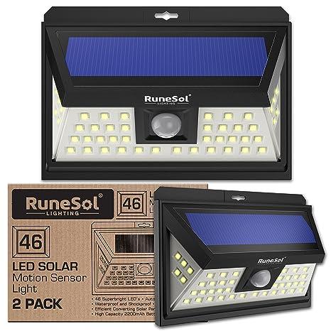 Lucas 46 LED Runesol® con sensor (Paquete De 2) | Lámpara Solar Con