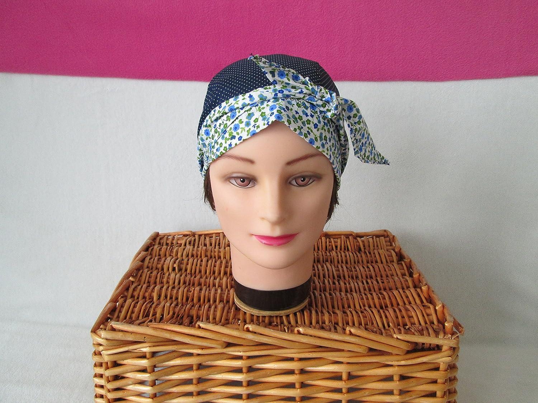 Foulard, turban chimio, bandeau pirate au féminin bleu marine à petits pois fleuri