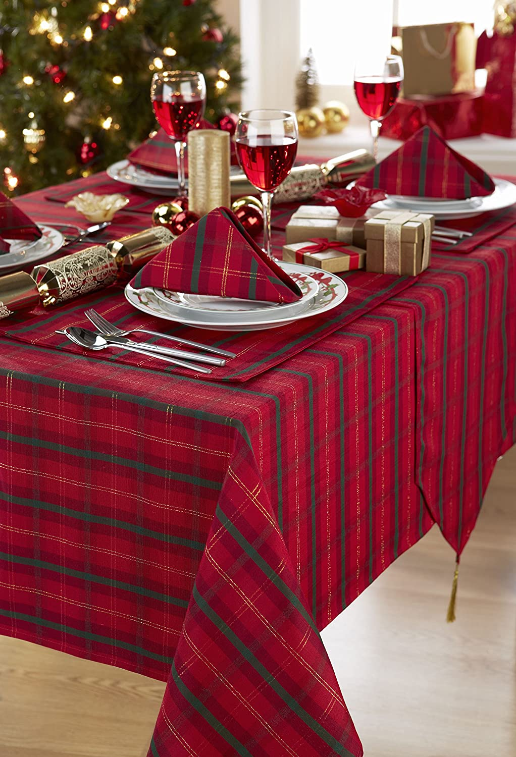 Charmant Tartan Red/Gold ChristmasTablecloth Ideal For 4 6 Place Settings  (52x70in 132x178cm Approx): Amazon.co.uk: Kitchen U0026 Home