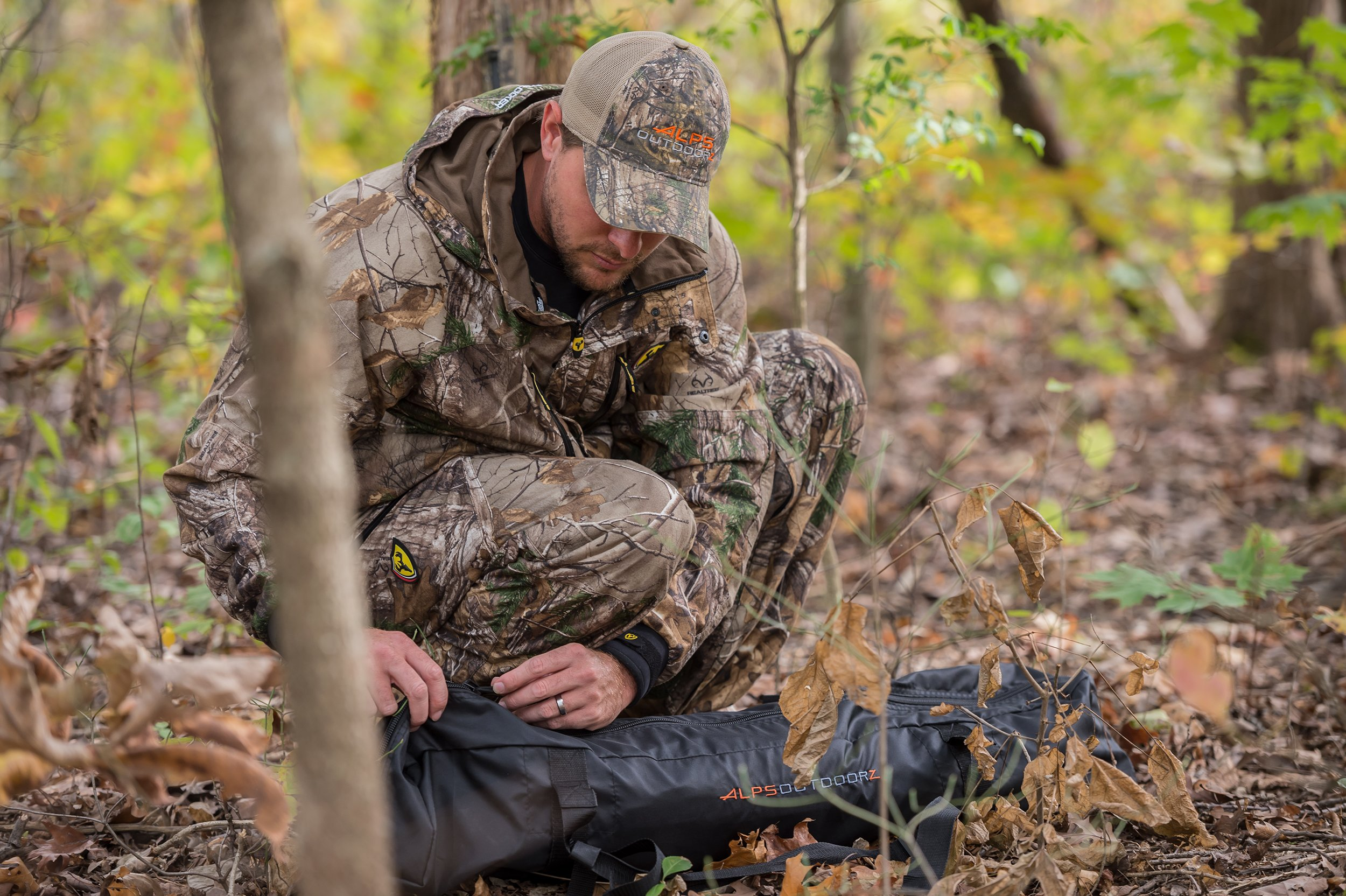 ALPS OutdoorZ NWTF Deception Hunting Blind, Mossy Oak Obsession by ALPS OutdoorZ (Image #6)