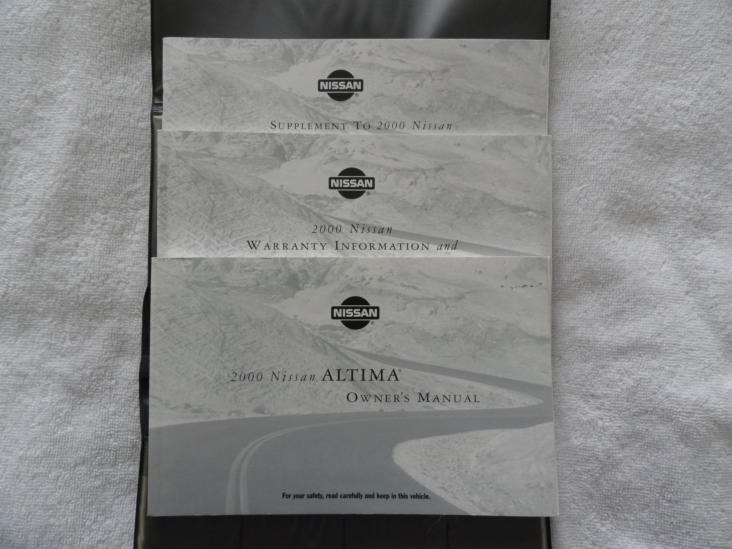 2000 nissan altima owners manual nissan amazon com books rh amazon com 2015 Nissan Altima 2004 Nissan Altima