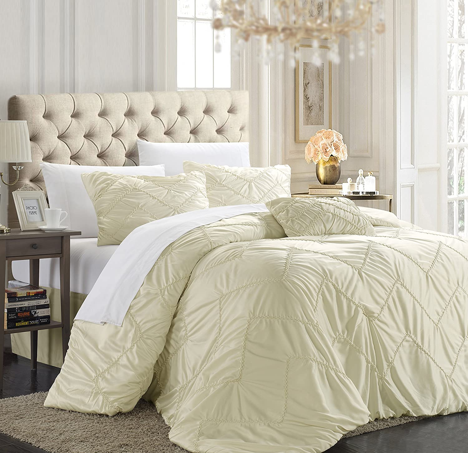Amazon.com: Chic Home Isabella 4-Piece Duvet Cover Set, King, Beige ...