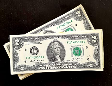 Two Dollar Bills - Five (5) Real Nearly Uncirculated and Rare $2 Bills in  Collectible Currency Holder (Near Mint Condition)