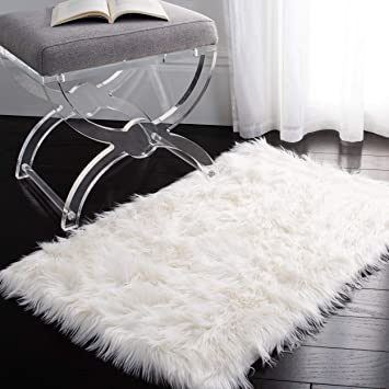 Amazon Com Safavieh Faux Sheep Skin Collection Fss235a Silken Glam 2 35 Inch Thick Accent Rug 2 X 3 Ivory Furniture Decor