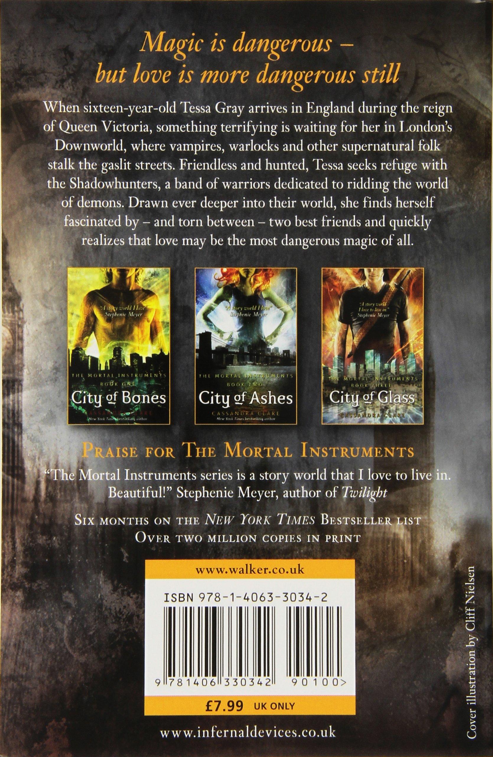 The Infernal Devices 1: Clockwork Angel: Amazon: Cassandra Clare:  8601200503630: Books