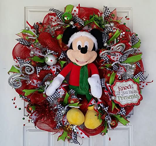 gorgeous light up mickey mouse christmas wreath - Mickey Mouse Christmas Wreath